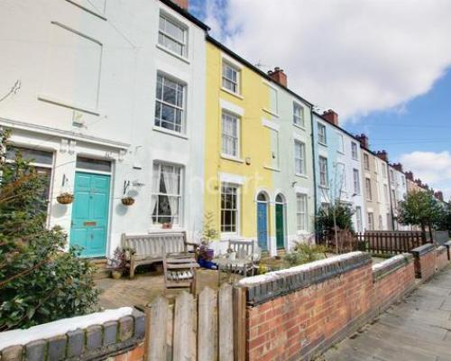 Promenade, Victoria Park 3 bed terraced house - £160,000