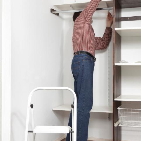 faire des etageres dans un placard