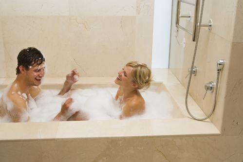 baignoire pour deux formes materiaux