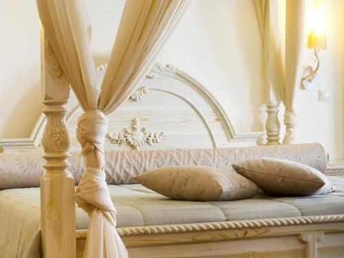 quelle fixation pour le rideau d un lit