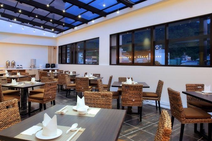 LeaLea Garden Hotel - Moon - Taiwan | PANGEA Travel