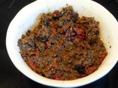 TAPENADE D'OLIVES, TOMATES SECHEES & PIQUILLOS
