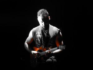 bassiste Dorsfall 580 300x225 Enfin un article sur Paroles et Musiques avec un titre sans jeu de mots...