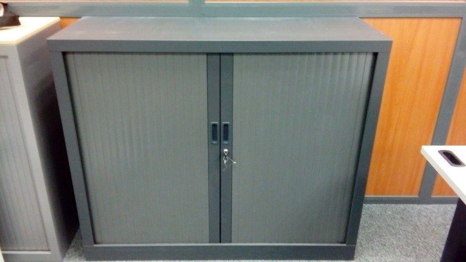 armoire metallique basse avec portes coulissantes a 100