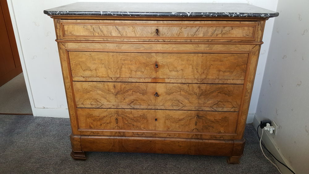 commode louis philippe dessus marbre a 75