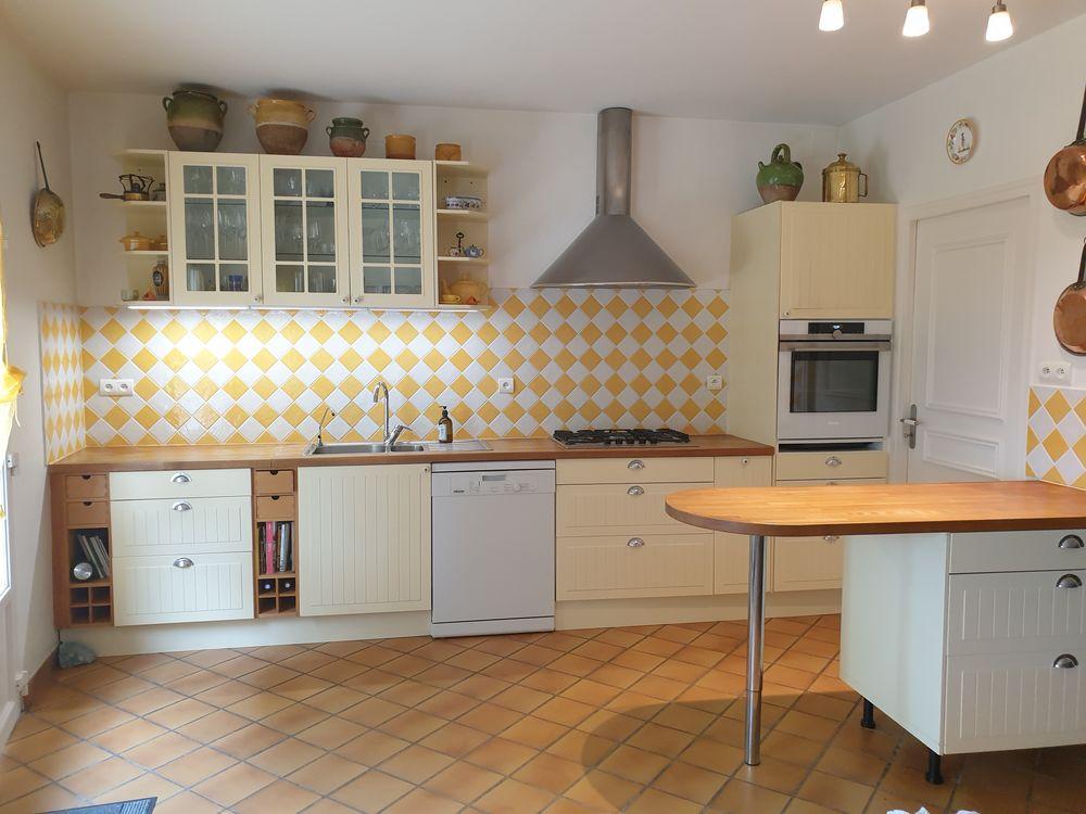 cuisine jaune paille a 1200