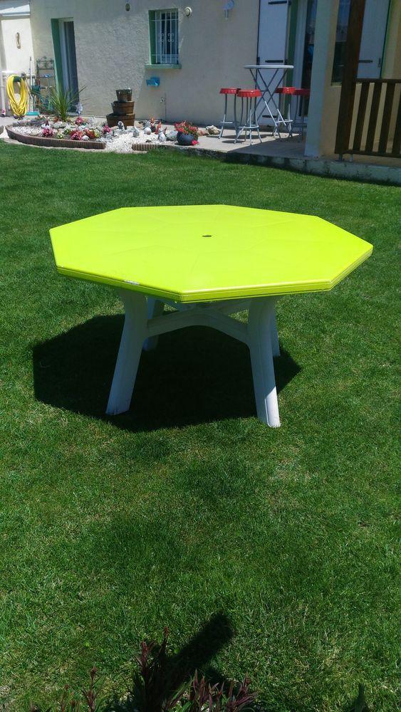 table de jardin octogonale a 30