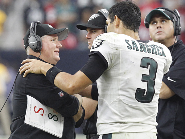 Eagles head coach Chip Kelly and quarterback Mark Sanchez. (Ron Cortes/Staff Photographer)