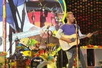 IN PHOTOS: Coldplay's first concert in the Philippines ...