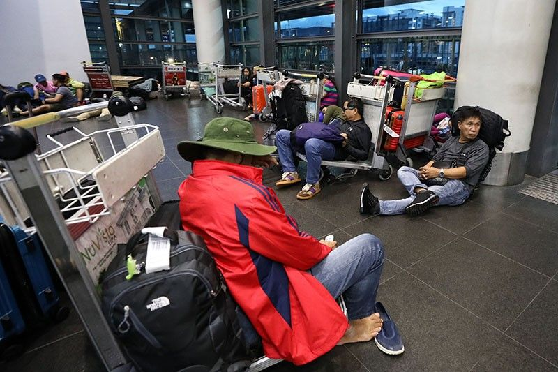 Cebu Pacific, Philippine Airlines contacting seatmates of novel ...