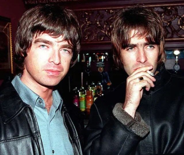 Oasis Noel And Liam Gallagher 1995 Dave Hogan Getty Images