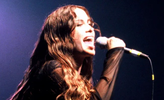 Alanis Morissette S Jagged Little Pill Musical Coming To