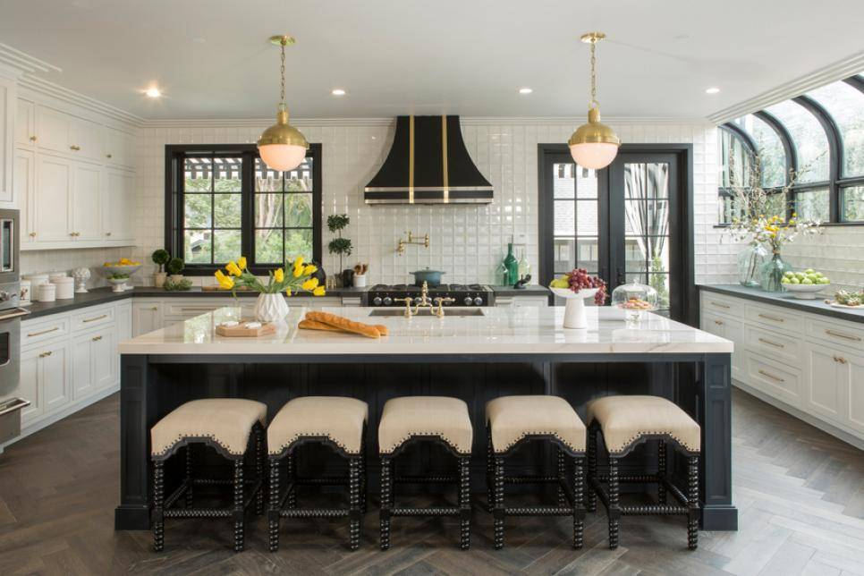 kitchen cabinet moulding ikea metal shelves peek inside 'property brother' drew scott and linda phan's ...