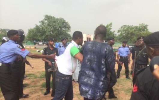 Police clampdown on #BringBackOurGirls protesters in Abuja