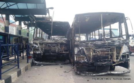 Soldiers destrouing BRT3
