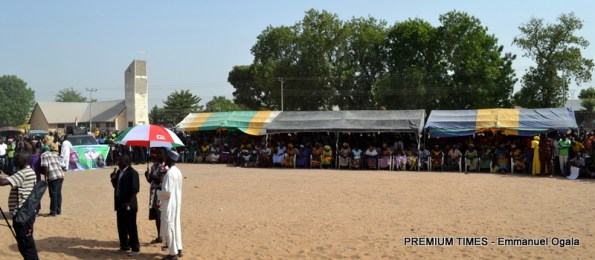 villagers turnout to listen to Nuhu Rinbadu's campaign in Adamawa.