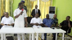 .Delta State Governor, Senator Ifeanyi Okowa (2nd left); Chief Lawrence Osiegbu (left); Hon. Anthony Elekeokwuri (middle) and Others, during the Ika North-East Local Government PDP Congress Executive Committee, in Boji Boji Owa.