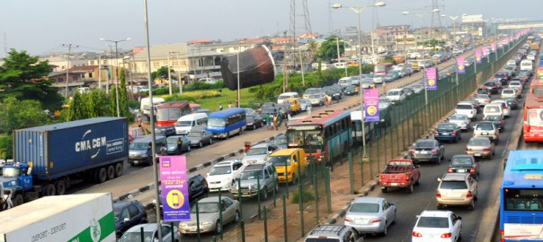 EARLY MORNING TRAFFIC GRIDLOCK AT OJOTA ON IKORODU ROAD IN LAGOS ON THURSDAY   (9/6/16). 4137/9/6/2016/ATOLAGBE/BJO/NAN