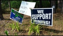 Pro-mining Signs in Ely