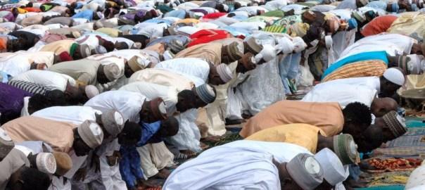 PIC.10. MUSLIMS  FAITHFUL PRAYING AT ILE ZIK IKEJA  IDIL PRAYER GROUND TO MARK THE EID-EL-KABIR CELEBRATION IN LAGOS ON MONDAY682412/9/16/DAP/JAU/NAN