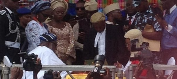 Rotimi Akeredolu taking oath as the new governor, Ondo state