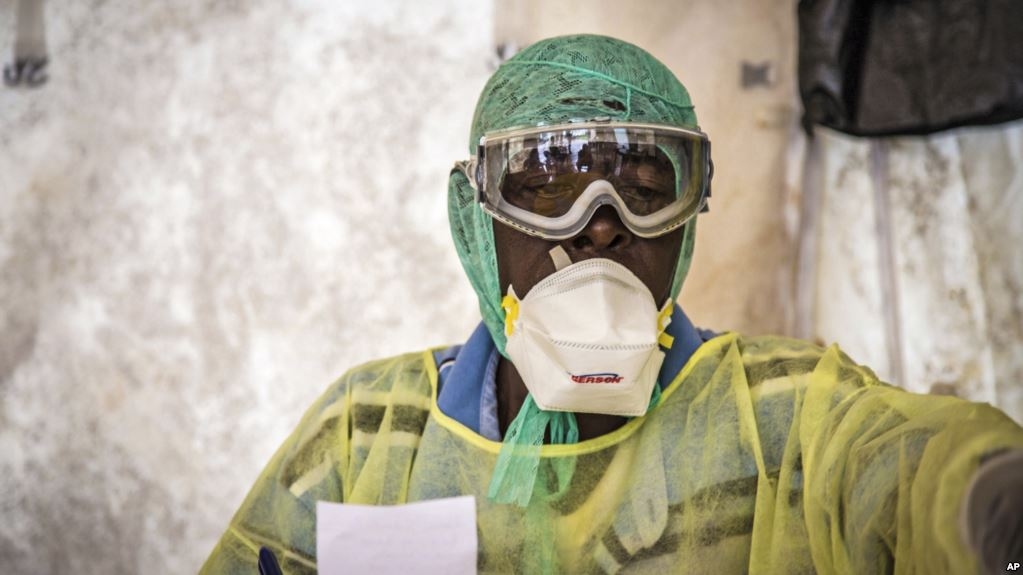 New Ebola death confirmed; 300,000 doses of vaccine 'ready'