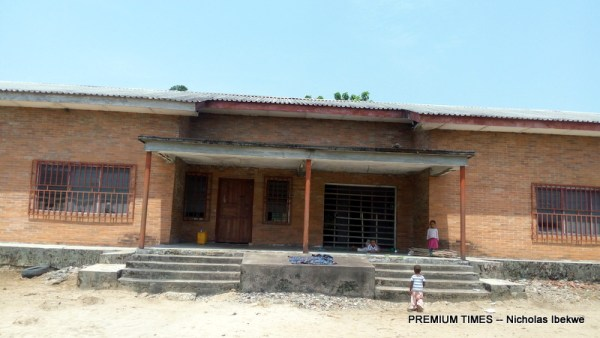 An abandoned health centre in Kpea. Some villagers now farms on the premises.