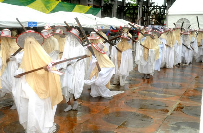 eyo festival in lagos nigeria Eyo festival lagos state of nigeria information about lagos state nigeria country information and guide.