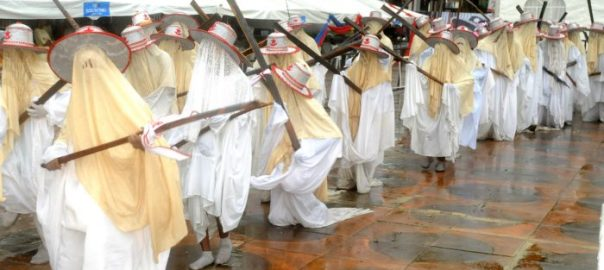 Eyo Performing at the Traditional Eyo Festival as part of the activities to Mark Lagos at 50 in Lagos on Saturday (20/5/17. 02676/20/5/2017/Sopu Olasunde/JAU/NAN