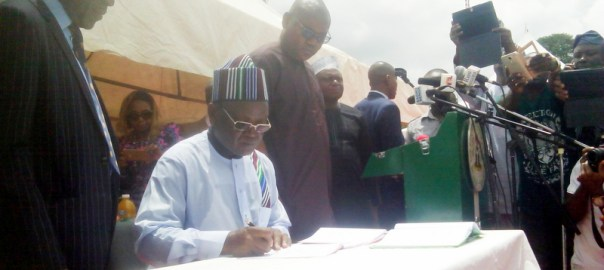 Gov Ortom of Benue State signing  Anti Open Grazing and Anti Kidnapping, Abduction, Cultism and Terrorism bills into law in Makurdi on Monday (22/5/17) 02700/22/5/2017/NAN Markudi/ICE/NAN