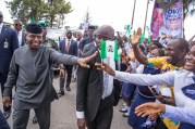 Acting President Yemi Osinbajo, SAN, receiving cheerful welcome on and off the streets, from young and old, male and female on his visit to Calabar to continue the Niger Delta Dialogue and MSME Clinics launch in Calabar. 1st June 2017. Photo: by Novo Isioro
