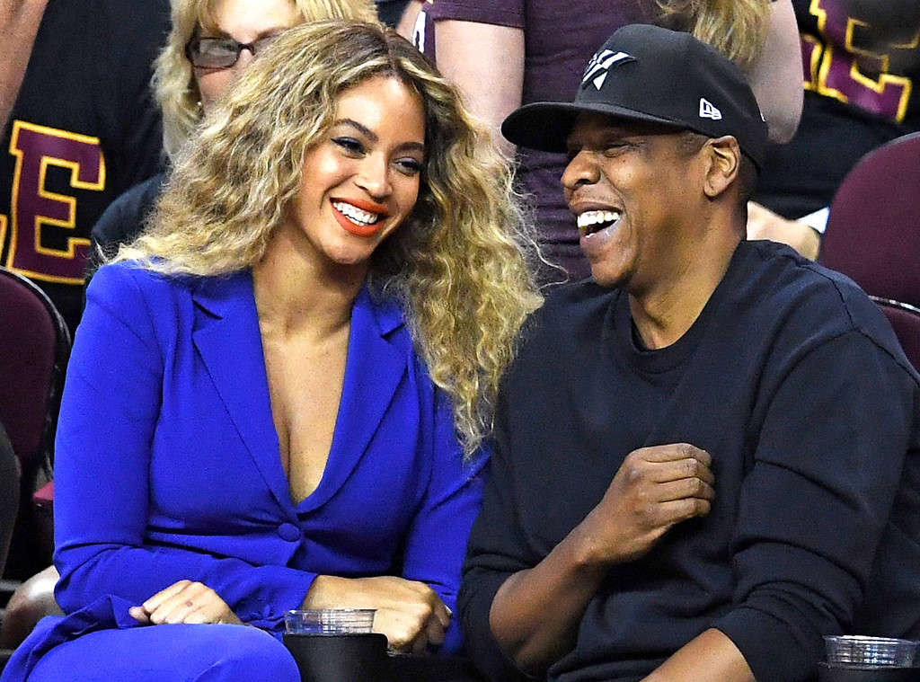 Beyonce Jay Z Welcome Set Of Twins Reports Premium