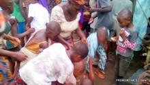Bakassi returnees scrambling for food at Ifa-Okon village in Essien Udim LGA, Akwa Ibom on Friday (2/5/17). 02980/2/5/2017/Isaiah Eka/HB/ICENAN
