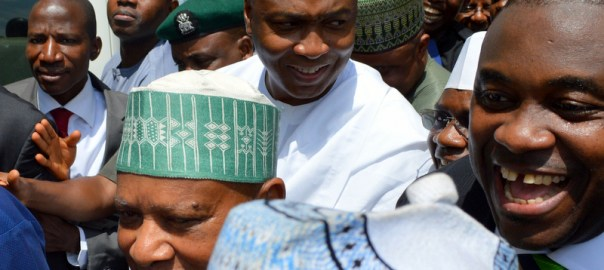 Senate President, Bukola Saraki and his supporters after the Code of Conduct Tribunal sitting in Abuja discharged and acquitted him of 18-count charge of non-declaration of assets, in Abuja on Wednesday (14/6/17). 03225/14/6/2017/Ernest Okorie/BJO/NAN