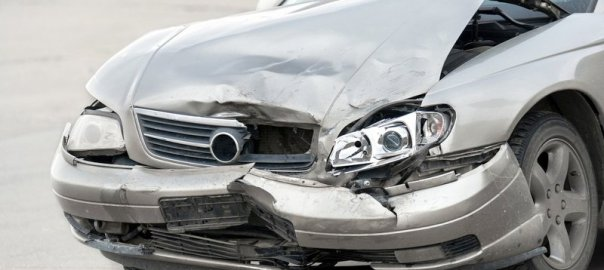 A damaged car [Photo Credit: Auto Auction Mall]