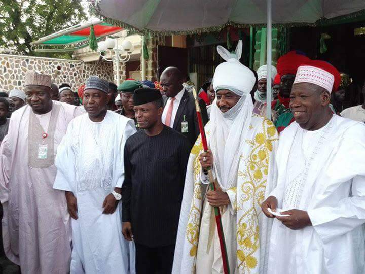 Acting President Professor Yomi Osibanjo with Emir of Kano Muhammadu Sunusi ii, Gov Ganduje during his visit to the state on condolence to the family of late Danmasani Kano Yusuf Maitama Bello today
