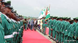 Guard of honour during an airport reception for the Acting President on Thursday in Port Harcourt