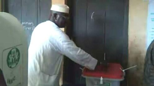 Mudashiru Hussein casting his vote
