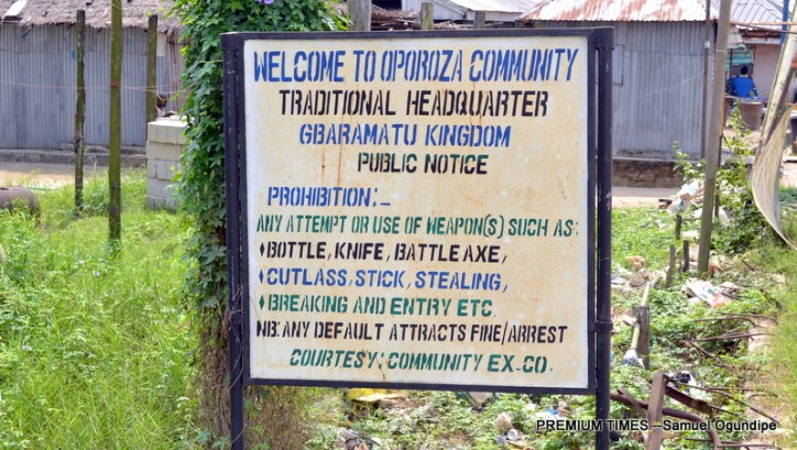 A welcome to Oporoza Community signpost