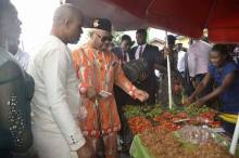 Governor Udom Emmanuel pays unscheduled visit to Uyo market