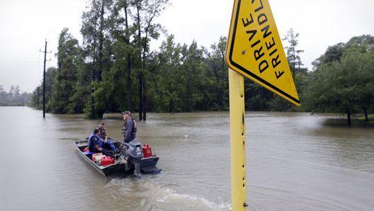 Hurricane Harvey makes second landfall [Photo: USA Today]