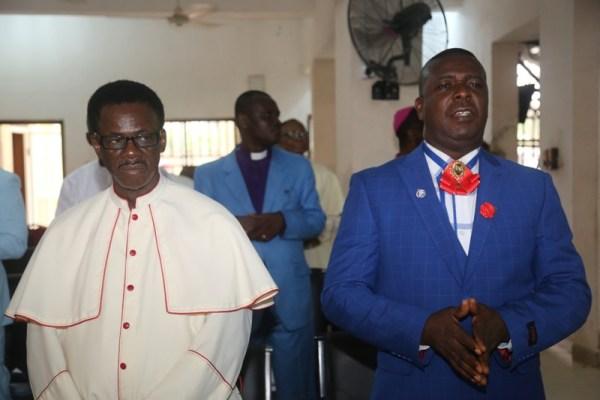 Msqr. Steven Uzomah (left) and Rev Dr. Jonathan Ihwighwu