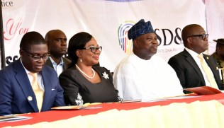 Lagos State Governor, Mr. Akinwunmi Ambode (2nd right); Attorney General & Commissioner for Justice, Mr. Adeniji Kazeem (right); Acting Chief Judge of Lagos State, Justice Opeyemi Oke (2nd left) and former Deputy Governor of the State, Otunba Femi Pedro (left) during the commissioning of the Lagos State DNA and Forensic Centre, Lagos Island, on Wednesday, September 27, 2017.