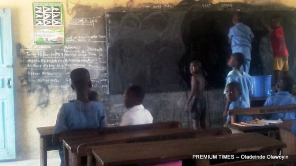 a classroom-001