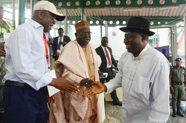 From left: Former Senate President, Sen. David Mark; former Governor of Niger State Babangida Aliyu; and former President, Goodluck Jonathan during the PDP National Convention in Abuja on Saturday (9/12/17). 06681/9/12/2017/Albert Otu/NAN