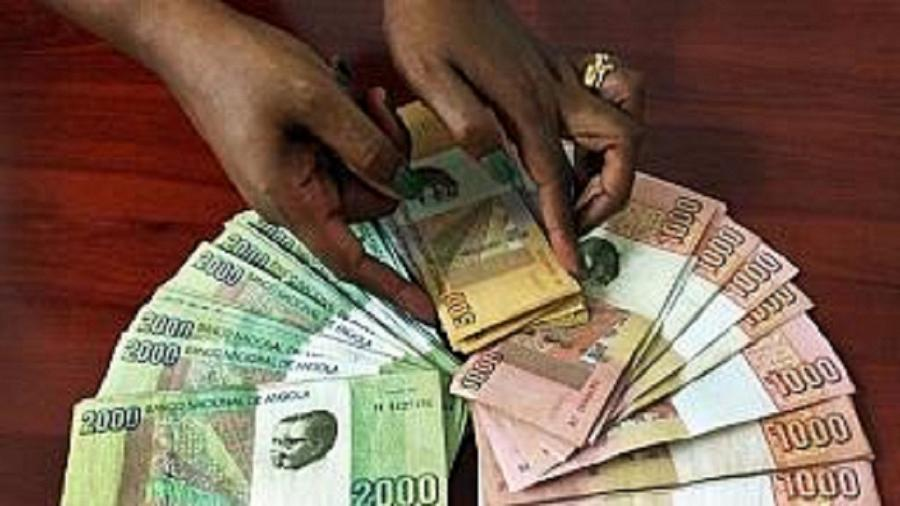 Angola eases currency controls as reserves depletes