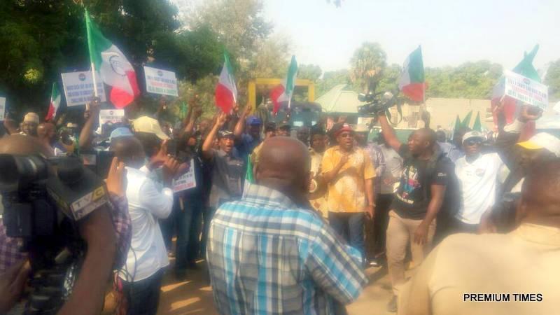 Protesting Kaduna teachers