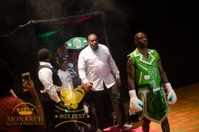 Riddick Bowe escorting out 'Chopchop' Corley to the ring