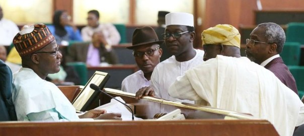 Abdulmumin Jibrin confronting speaker Yakubu Dogara on 2018 budget. [Photo credit: Reps official Facebook account]