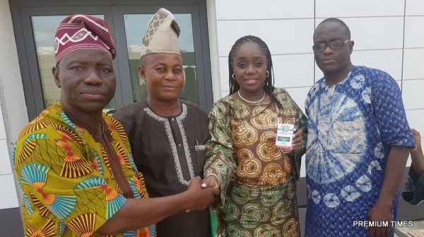 The Honourable Minister of Finance, Mrs. Kemi Adeosun with officials of the All Progressives Congress (APC) in Ogun State, after receiving her membership card of the APC in Abeokuta, on Saturday, 5th May, 2018
